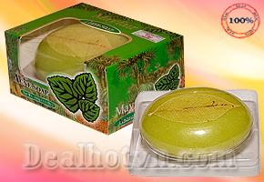 Xà phòng rửa mặt trị mụn Mayfair - Thái Lan giá chỉ có 78.000đ. Sản phẩm chứa công thức giúp làm mịn da với những thành phần thiên nhiên Vitamin E & C cùng AHA. Cho bạn làn da tươi sáng, vẻ đẹp rạng ngời.