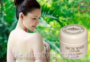 Chỉ với 140.000đ sở hữu ngay sản phẩm Kem Dưỡng Trắng Da Snow White, cho bạn làn da trắng đều và mịn màng như nàng Bạch Tuyết - Tiết kiệm 48% so với giá thị trường 270.000đ.