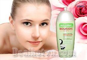 Sữa rửa mặt Bourjois 250ml – chính hãng Pháp, giúp duy trì làn da của bạn ẩm ướt và trơn tru với cảm giác mát lạnh và hương thơm tươi mát từ dưa leo, sản phẩm giảm giá chỉ còn 75.000đ.