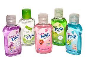Chỉ với 125.000đ, bạn đã có ngay 5 chai gel rửa tay khô Neo Fresh 100ml/chai không dùng nước diệt khuẩn 99,9% được chiết xuất từ Aloe Vera & Vitamin E giúp làm mềm da và giữ ẩm.