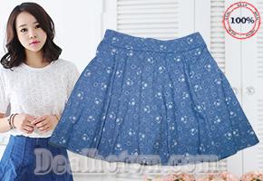Tôn nét điệu đà và nữ tính với Chân váy ngắn xòe cuốn hút - chất liệu kaki mềm mại, form ngắn dáng xòe xinh xắn và thanh lịch! Giá 85.000đ.