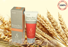 Sữa rửa mặt 3W Clinic Brown Rice Foam Cleansing Anti Sebum 100ml - Korea với chiết xuất từ tinh chất gạo nâu giúp rửa sạch lớp bã nhờn và bụi bẩn trên da đồng thời làm cho da trắng sáng, mịn màng một cách tự nhiên. Chỉ 59.000đ cho trị giá 95.000đ