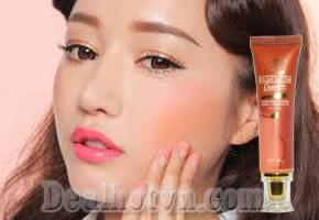 Khuôn mặt bừng sức sống mới với phấn má hồng dạng kem Tiverton Blush Nectar cao cấp - Hà Lan, chứa nhiều dưỡng chất giúp duy trì độ mềm mịn và mượt mà cho làn da ngay cả trong mùa khô. Chỉ 75.000đ.
