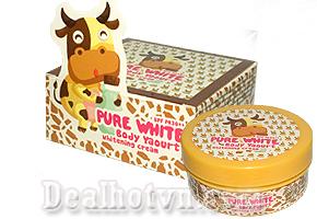 Kem Body Yaourt - Kem dưỡng trắng da toàn thân tinh chất sữa bò với sự kết hợp các thành phần tinh chất sữa chua, dâu tây, vitamin giúp làn da trắng hồng một cách tự nhiên. Giá 115.000đ.