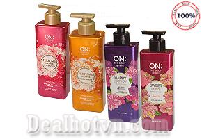 Sữa tắm On The Body Perfume, Sweet Love, Happy Breeze Body Wash với tinh chất chiết xuất từ các loài hoa giúp phòng chống bệnh ngoài da, mang lại cảm giác thư giãn với mùi hương thanh khiết và quyến rũ. Chỉ 155.000đ cho trị giá 220.000đ.