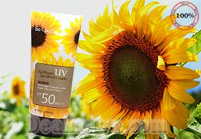 Kem Chống Nắng Tinh Chất Mầm Hoa Hướng Dương SPF 50/ PA+++, chính hãng Hàn Quốc. Giúp bảo vệ làn da của bạn khỏi tác hại của ánh nắng mặt trời. Giá 95.000đ, có tại Dealhotvn.com!
