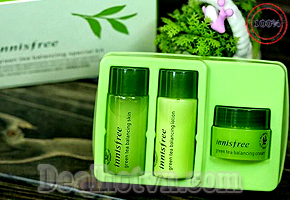Green Tea Balancing Special Kit là set mini của bộ sản phẩm Balancing Green Tea hàng chính hãng Korea, dòng sản phẩm mới trong năm 2014 của Innisfree dành riêng cho da thường, da hỗn hợp thiên dầu & da bị mụn. Giá 95.000đ