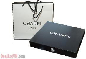 Bộ Trang Điểm 9 Món Chanel sang trọng – Giúp Bạn Thêm Tự Tin MakeUp Mỗi Ngày. Giá 220.000đ. Tại Dealhotvn.com!