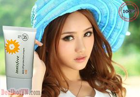 Kem chống nắng Innisfree Daily UV SPF35 PA++ Protection Cream Mild – Korea không chứa chất bảo quản từ Paraben, không chứa dầu khoáng, không chứa benzophenone, không chứa thành phần có nguồn gốc từ động vật, không cồn. An toàn cho da. Giá 165.000đ.