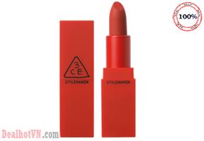 Son 3CE Red Recipe Lip Color là dòng son thỏi mới nhất từ hãng mỹ phẩm Hàn Quốc 3CE mùa Valentine, với thiết kế vỏ đỏ cực nổi bật và cực thu hút. Giá 240.000đ.