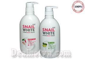 Sữa Tắm Trắng da Snail White 500ml chính hãng Thái Lan đem đến cho bạn gái làn da trắng tinh, mịn màng không tì vết. Giá 140.000đ.
