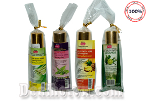 Combo 4 chai dầu gió lăn thảo dược Banna 8cc/chai – nhập từ Thái Lan, chiết xuất tự nhiên 100% thân thiện với môi trường, có tác dụng giảm đau nhanh chóng, không gây kích ứng da. Chỉ 120.000đ cho trị giá 180.000đ.