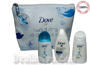 Bộ set quà tặng du lịch thương hiệu Dove gồm 4 món: túi đựng, dầu gội, dầu xả, sữa tắm  được sản xuất từ Indonesia. Giá 70.000đ