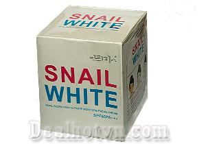 Kem dưỡng trắng da mặt Snail white – Hàn Quốc, giúp dưỡng da trắng mịn, ngăn ngừa mụn, chì số chống nắng SPF 50PA +++. Giá 75.000đ.