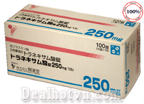 Transamin 250mg hàng nhập từ Nhật với thành phần Axit Tranexamic tác dụng ức chế sự hình thành melamin, nguyên nhân gây nám, đồi mồi giúp máu lưu thông tốt hơn, da được tái tạo và phục hồi trắng sáng. Giá 470.000đ.