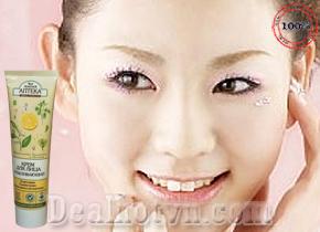Kem dưỡng da mặt làm trắng da Kpem hàng nhập khẩu từ Nga, giúp loại bỏ tàn nhang và các đốm nâu, giúp da phục hồi lão hóa đem đến mịn màng trắng sáng. Giá 99.000đ