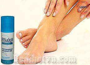 Xịt khử mùi, giảm tiết mồ hôi ở chân Etiaxil nhập từ Pháp là sản phẩm thuốc trị viêm, khử mùi hôi và giúp ngăn ngừa ra mồ hôi ở chân, cho bạn cảm giác tự tin, thoải mái suốt cả ngày. Giá 230.000đ