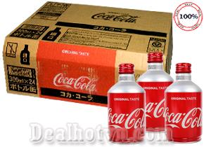 Nước ngọt có ga Cocacola chai nhôm nắp vặn chính hãng Nhật 300ml hương vị thơm ngon, hấp dẫn với hơi ga cực mạnh hứa hẹn sẽ mang đến cho bạn những trải nghiệm tuyệt vời khi thưởng thức. Giá 640.000đ/ thùng 24 lon.