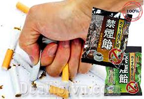 Kẹo cai thuốc lá Nhật Bản Smokeless từ thảo mộc thiên nhiên là phương pháp hữu hiệu giúp làm giảm cơn thèm thuốc và giảm hứng thú khi hút. Thành phần từ thảo dược có trong kẹo sẽ khiến cho hương vị của điếu thuốc thay đổi. Giá 180.000đ